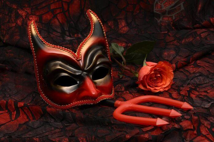 mask 2014554 1920 696x464 1